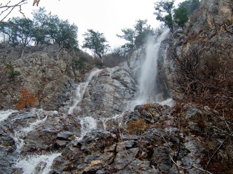Водопад Весенний Крым
