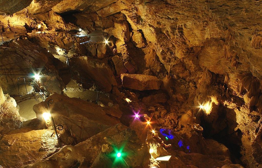 Пещеры Ай-Петри