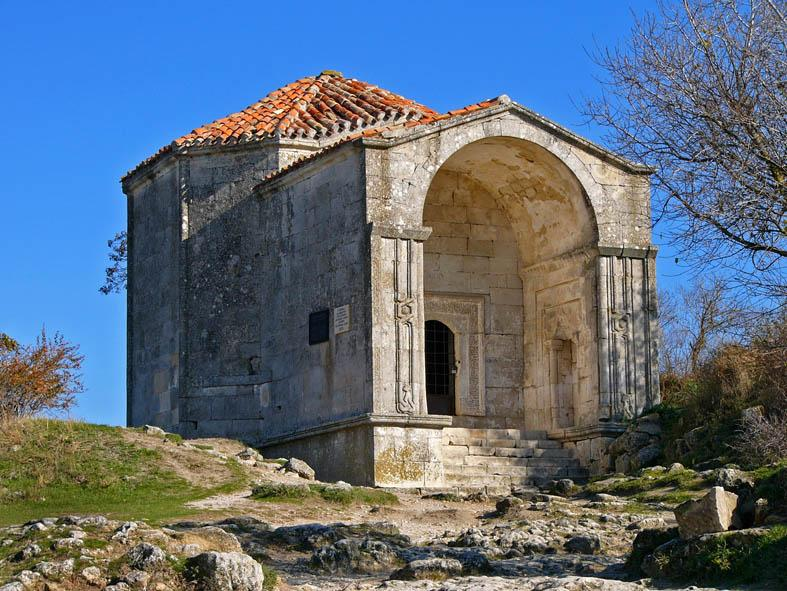 Пещерный город Чуфут-Кале: мавзолей