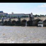 А вы знаете, какая протекает река в Праге?