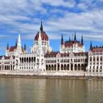 Парламент Будапешта поражает своей изысканной архитектурой