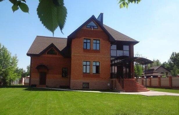 Недорогие коттеджи посуточно в Ленинградской области